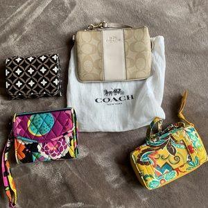 Bundle of wallets